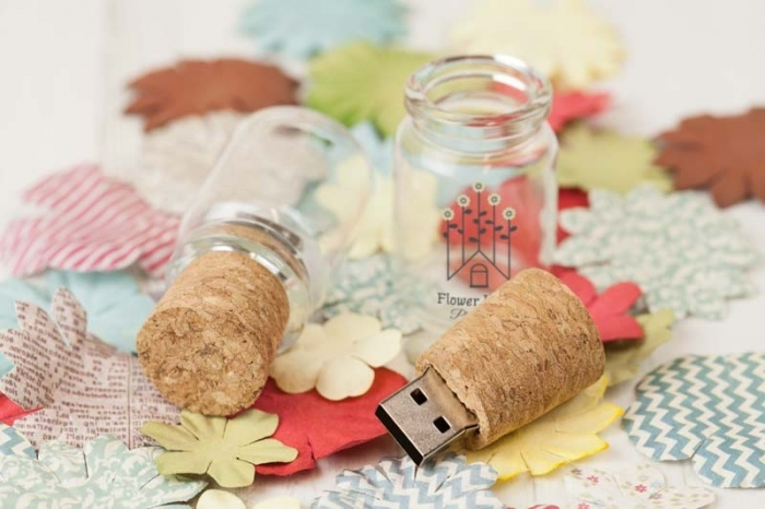 Glass Bottle USB 8 GB - แฟลชไดร์ฟ ขวดแก้ว ฝาไม้ก๊อก 8