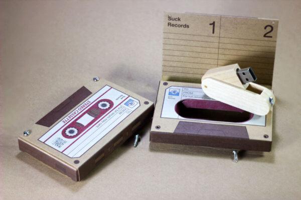 กล่องเทปคลาสเส็ท+แฟลชไดร์